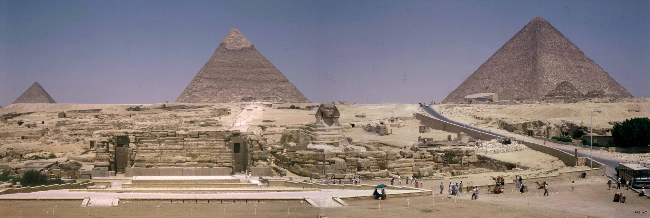 Panoramic view of the Giza pyramids, enlarges when clicked